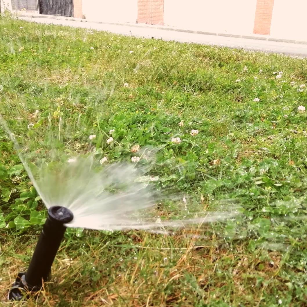Mantenimiento de sistemas de riego en jardines de Comunidad de Madrid